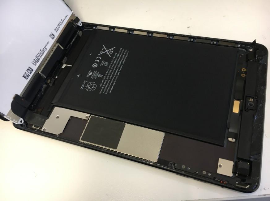 液晶も剥がした初代iPadmini