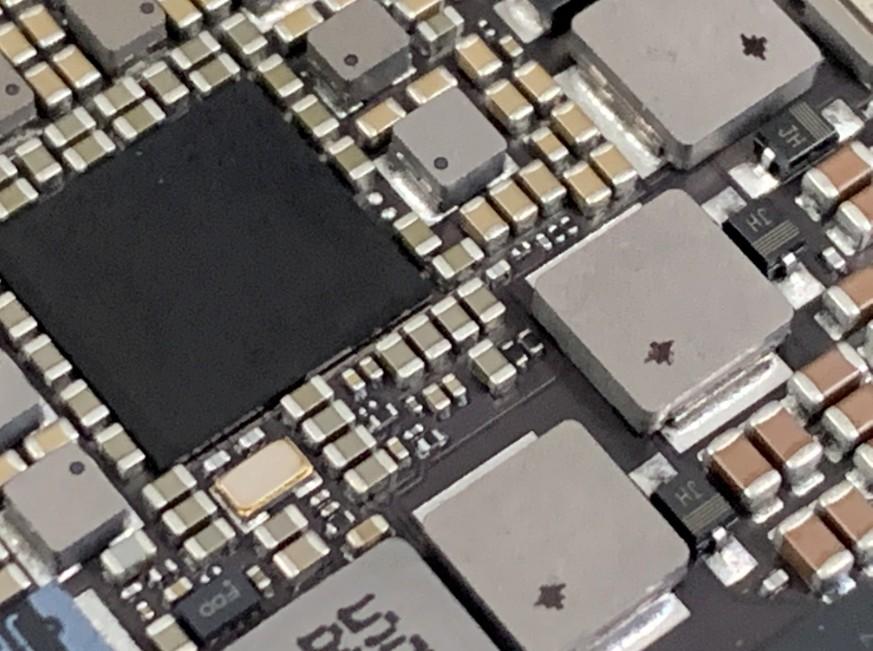 iPadPro12.9インチ第2世代の基板修理途中