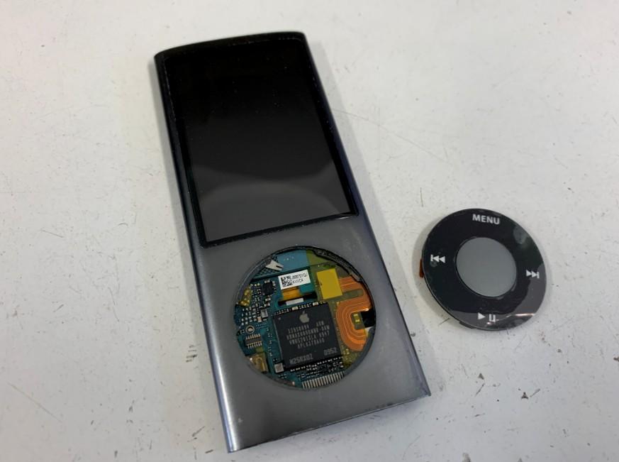 クリックホイールを外したiPod nano第5世代