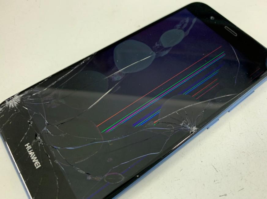 ガラスが割れて液晶表示が乱れているnova2