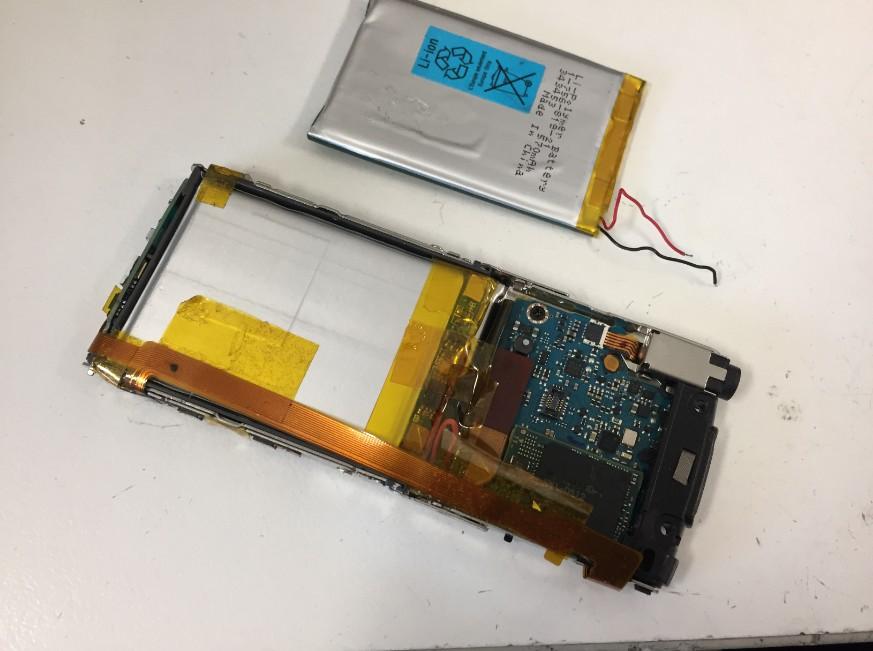 バッテリーを新品に交換したウォークマンNW-S765
