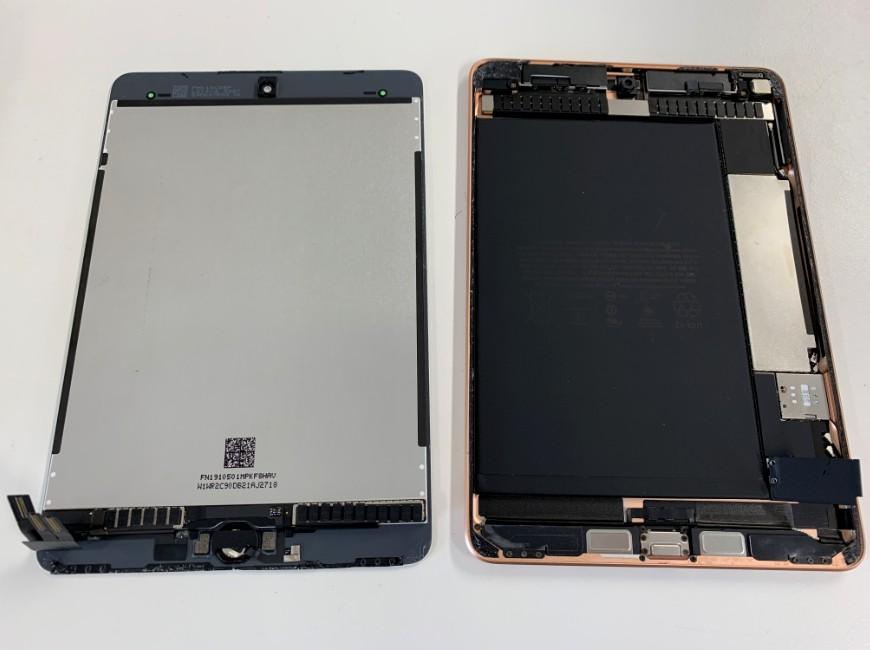 本体から画面パーツを取り出したiPad mini5