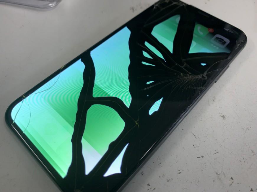 液漏れして操作出来ないiPhoneX