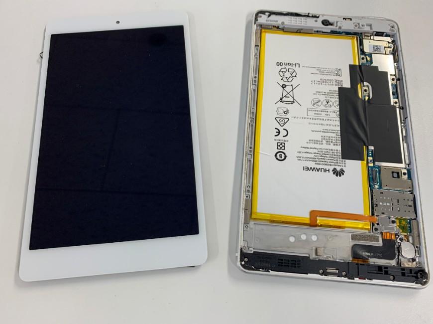 画面パーツを取り出したMediaPad M3 lite S(701HW)