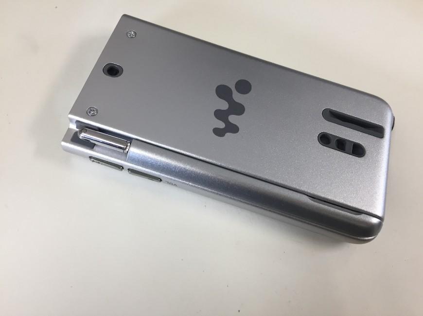 バッテリー交換の為に分解前のWALKMAN NW-A916