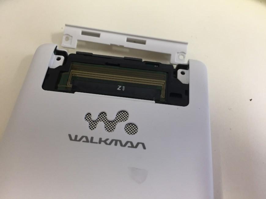 更にプラスチックパーツを剥がしたWALKMAN NW-F887