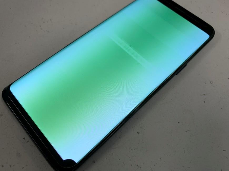 画面が緑色に変色して操作出来ないGalaxy S9
