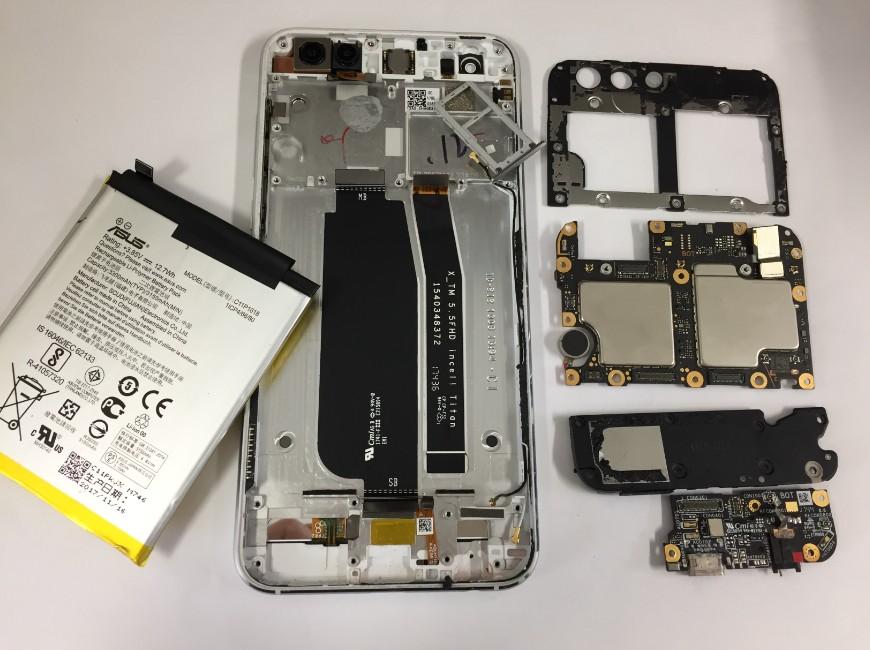 基板までバラバラに分解したZenfone4(ZE554KL)