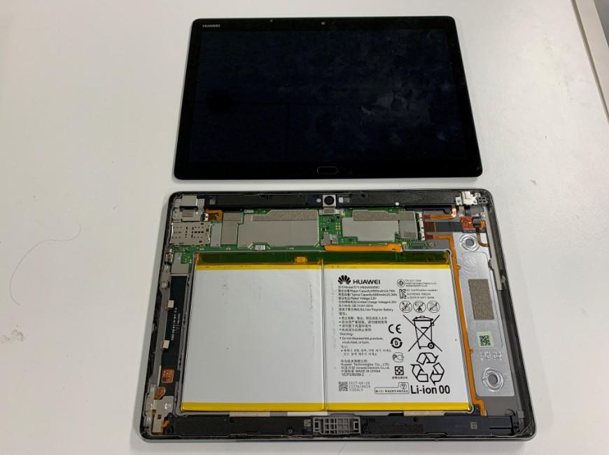 画面を本体から外したMediaPad M3 lite 10(BAH-W9)