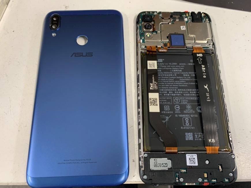 背面パネルを剥がしたZenfone Max M2(ZB633KL)