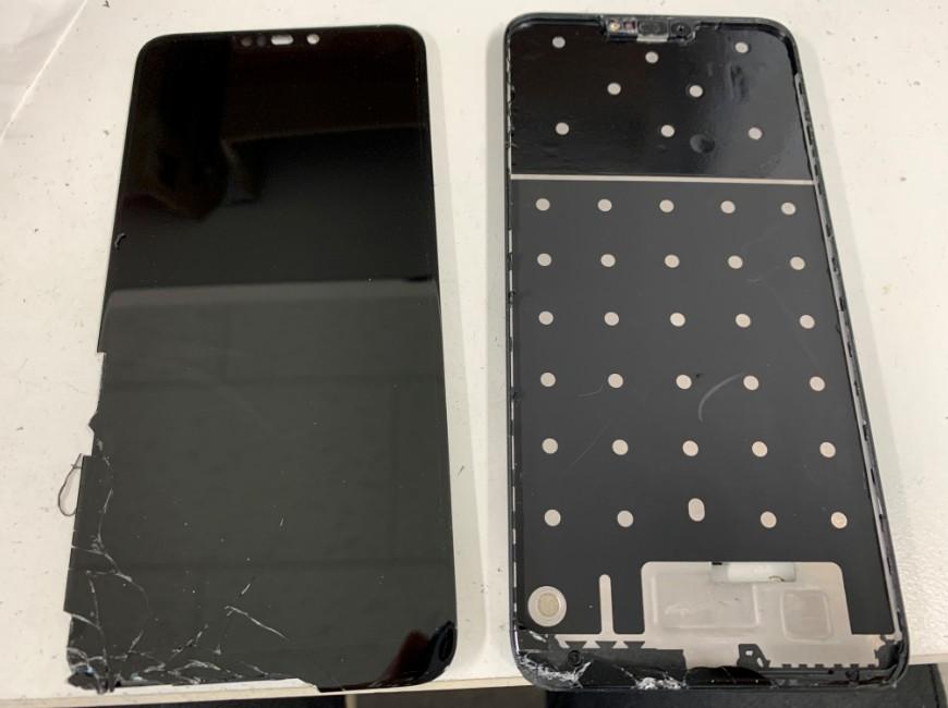 画面パーツを剥がしたZenfone Max M2(ZB633KL)