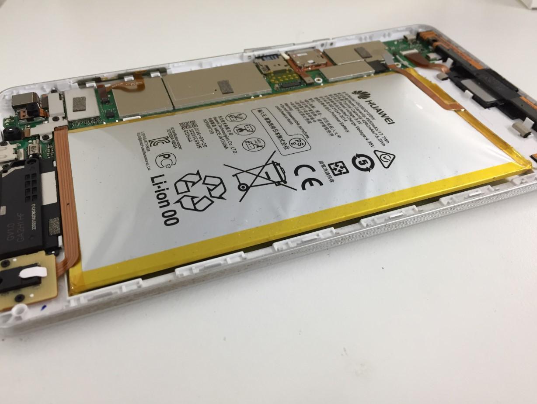バッテリーがパンパンに膨らんだd-02h(ドコモタブレット)