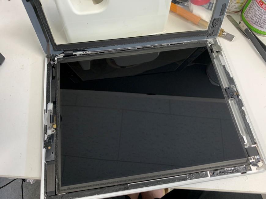 ガラスを開いたiPad 第4世代