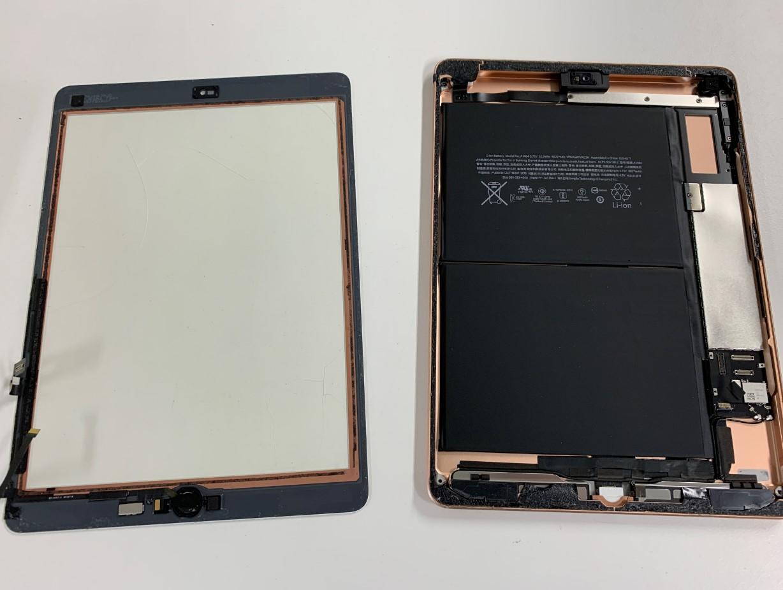 本体から画面パーツを剥がしたiPad第6世代