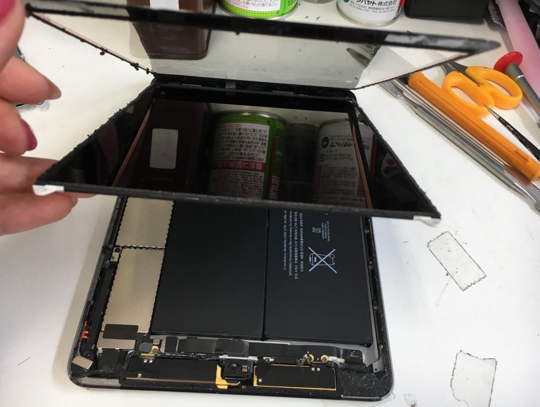 ガラスを液晶を剥がしたiPad mini2