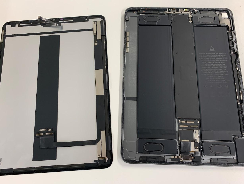 画面パーツを本体から剥がしたiPadPro11(第1世代)