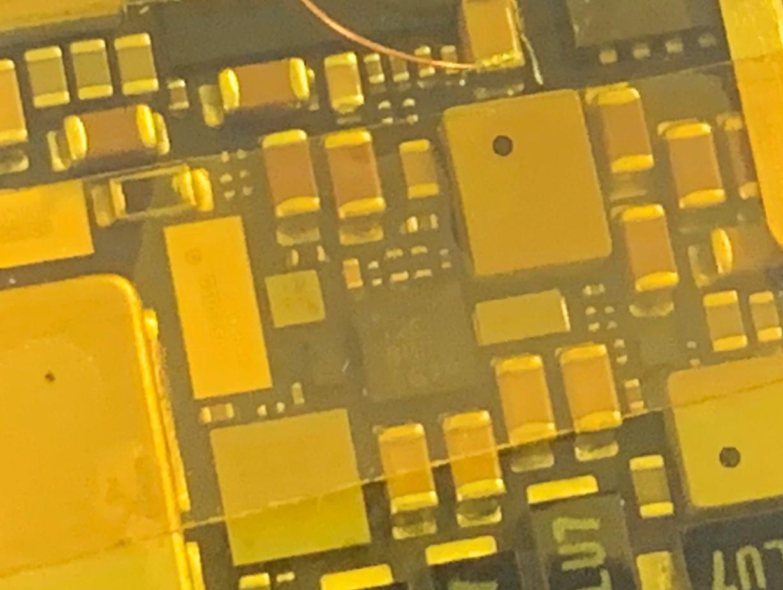 基板修理を施したiPadPro11(第1世代)