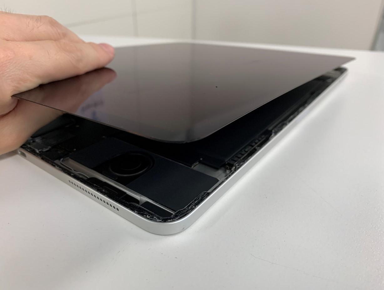 画面を剥がしたiPad Pro 12.9(第3世代)