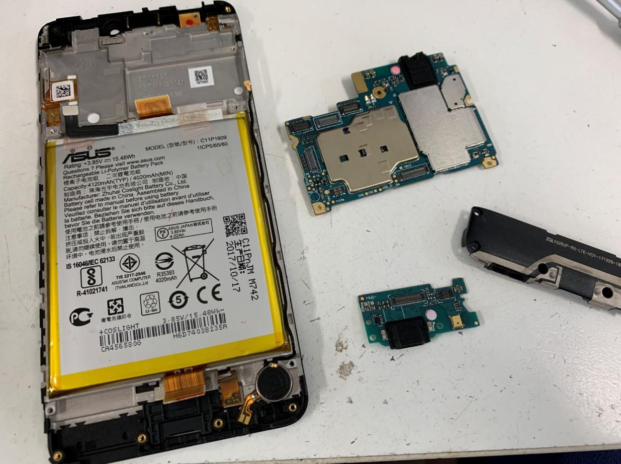 サブ基板も取り出したZenfone4