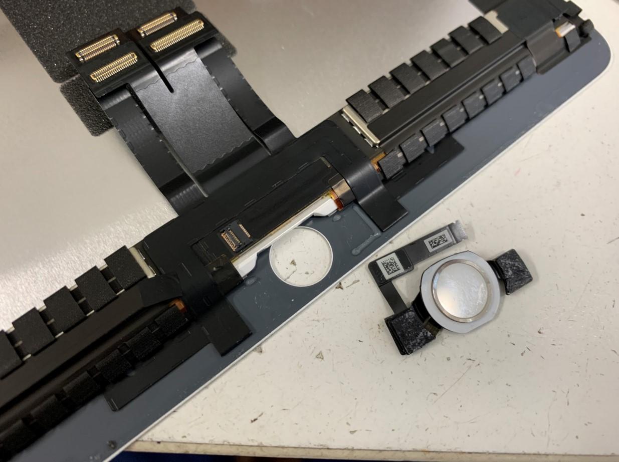 画面パーツからホームボタンを取り出したiPadAir第3世代