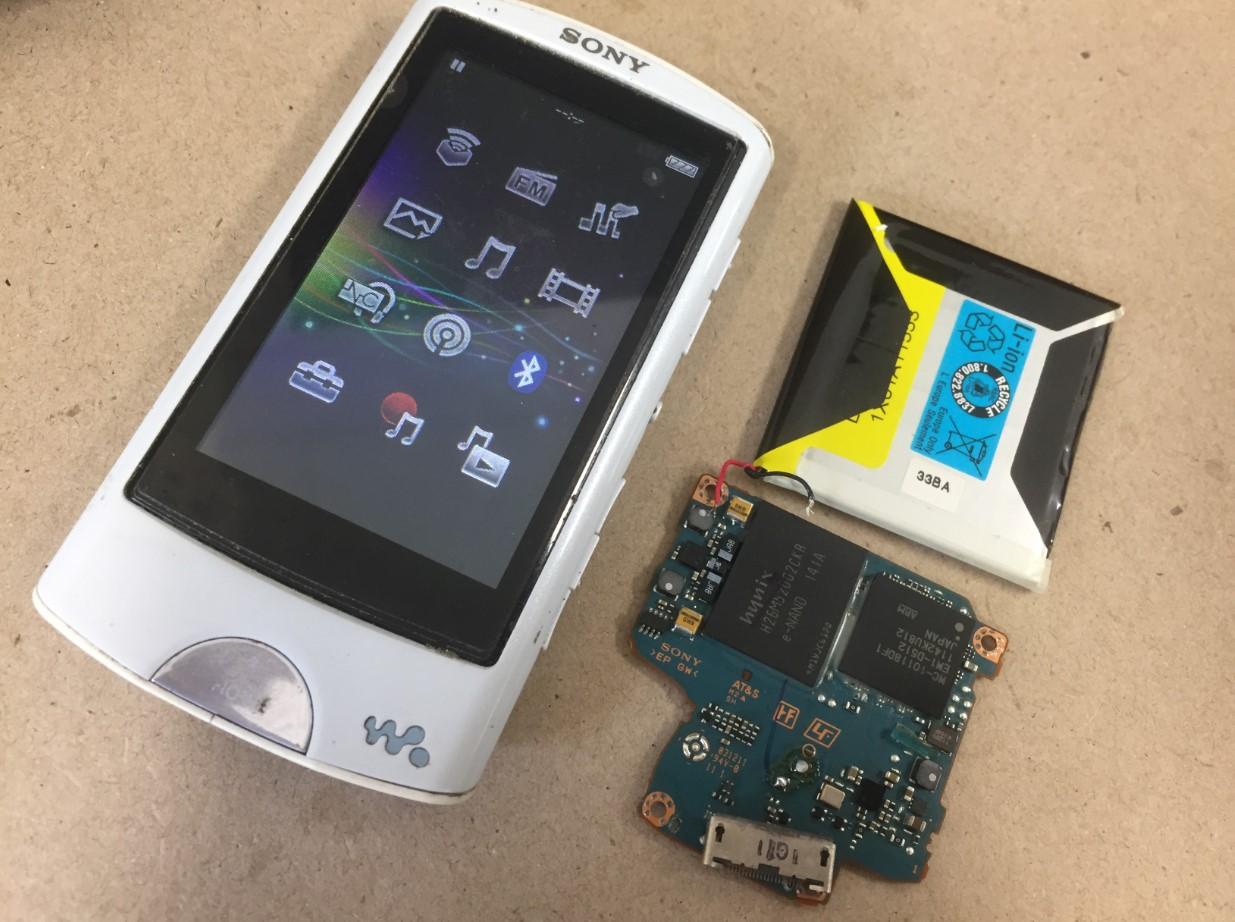 基板交換+バッテリー交換修理後のウォークマン NW-A865