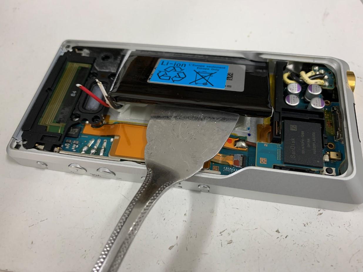 ウォークマン電池交換修理手順⑯