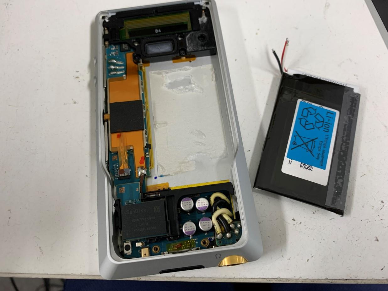 ウォークマン電池交換修理手順⑱