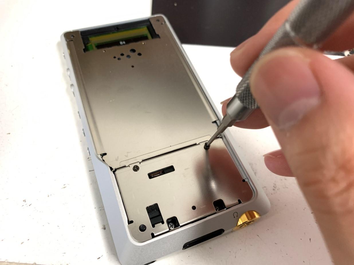 ウォークマン電池交換修理手順㉖