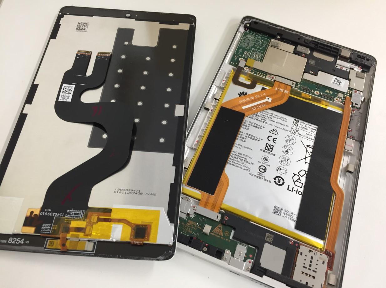 液晶画面を剥がしたMediaPad M3(BTV-W09)