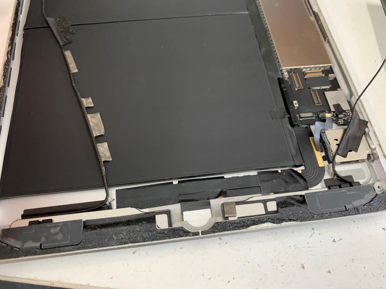 アンテナを剥がしたiPad第5世代