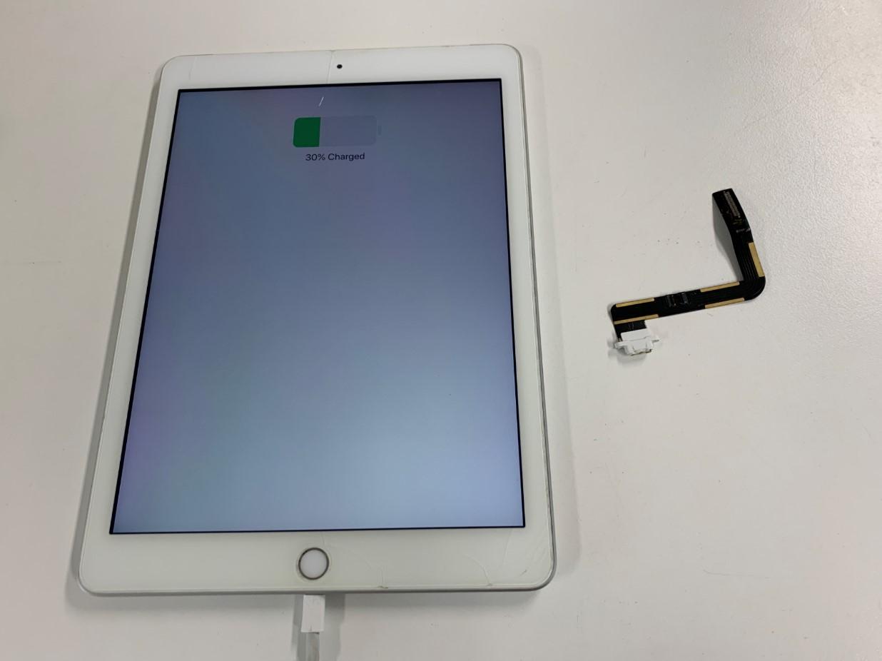 充電口パーツ交換で充電されるように改善したiPad第5世代