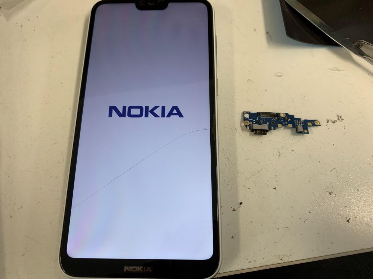 充電口交換で起動するようになったNokia 6.1 Plus(Nokia X6)