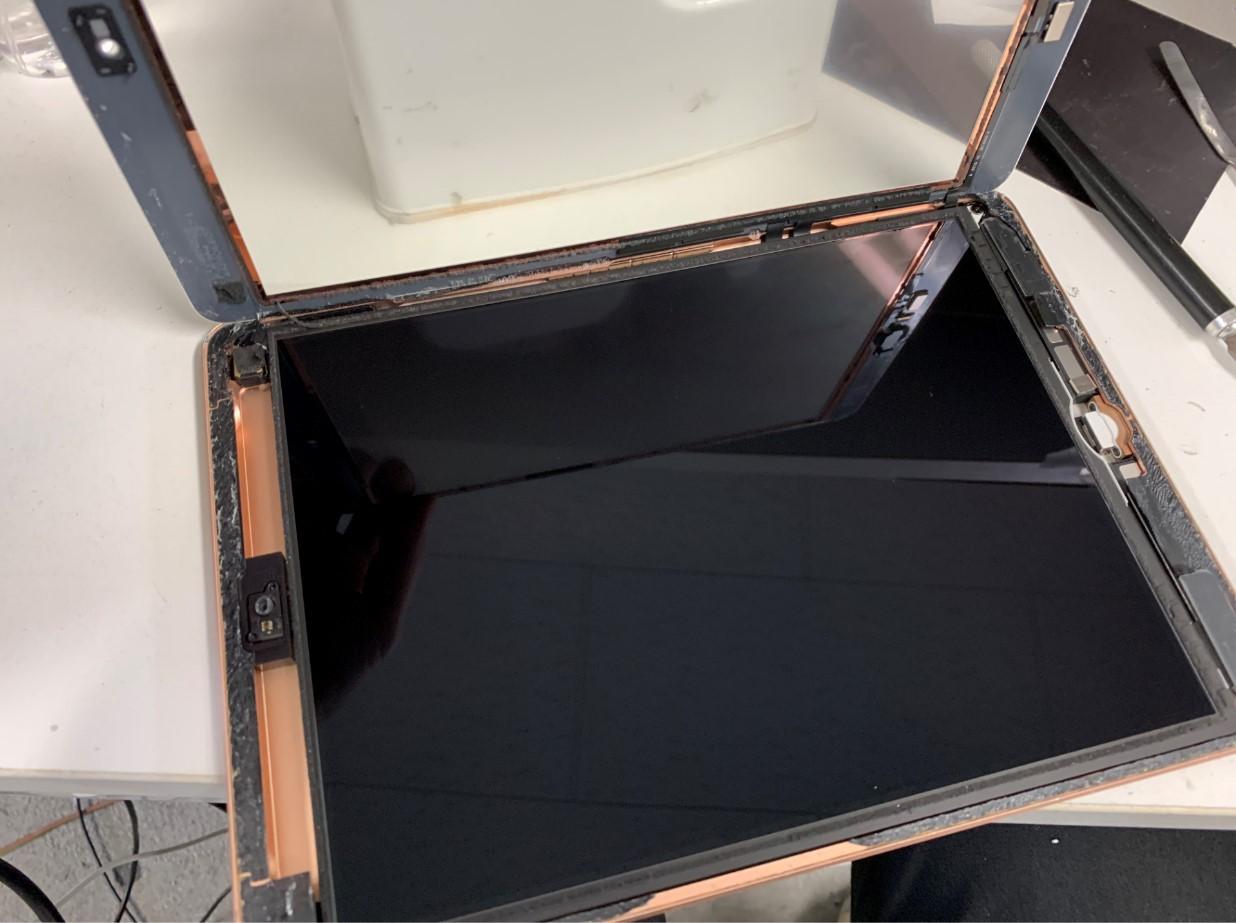 ガラスを剥がしたiPad第6世代