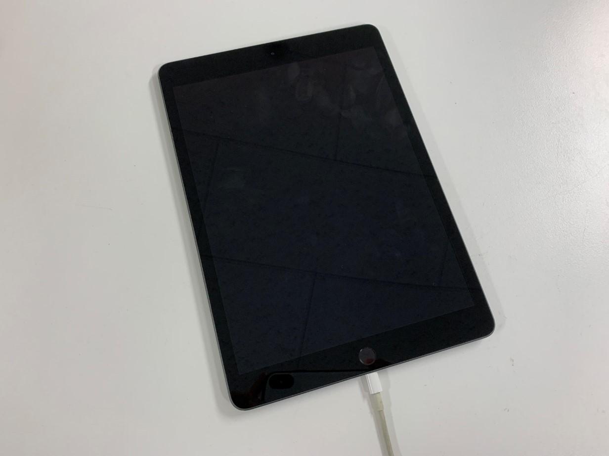 充電器を挿しても充電されないiPad第7世代
