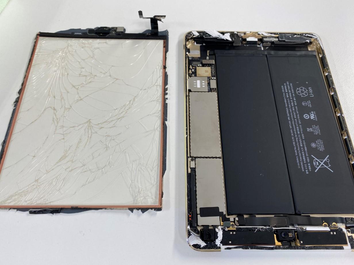 タッチパネルを取り出したiPad mini3