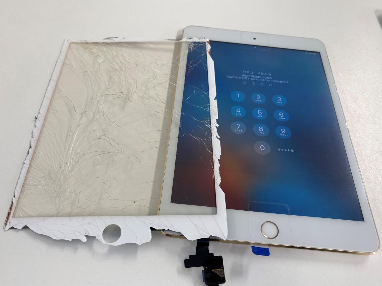 タッチパネル新品交換後の新品同様のiPad mini3