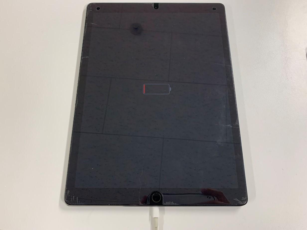 充電反応はあるものの電源が入らないiPadPro12.9 第1世代