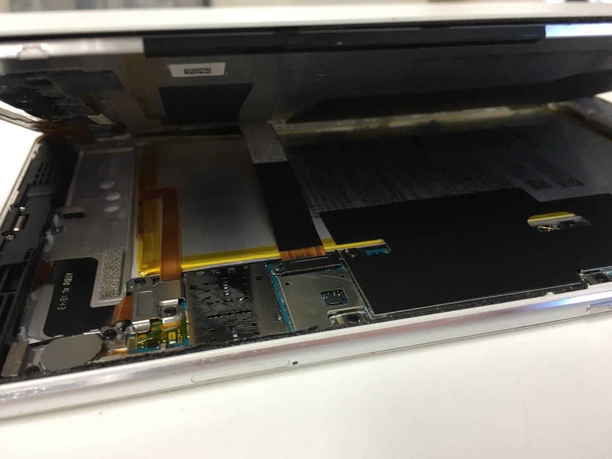画面を大きく開いたMediaPad M3 Lite s