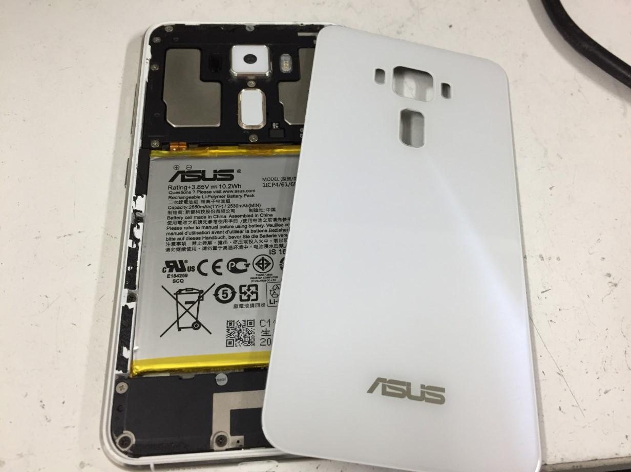 バックパネルを剥がしたZenfone3
