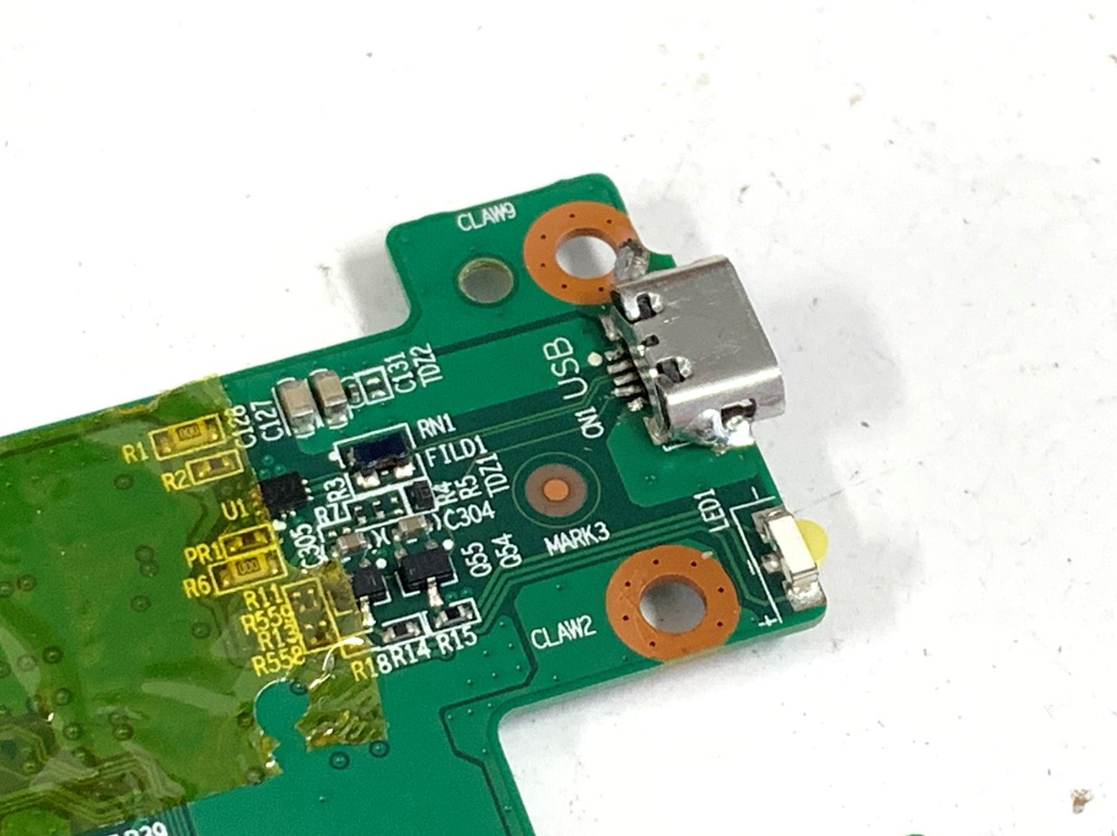 TOSHIBAタブレット(A205)の充電口パーツ