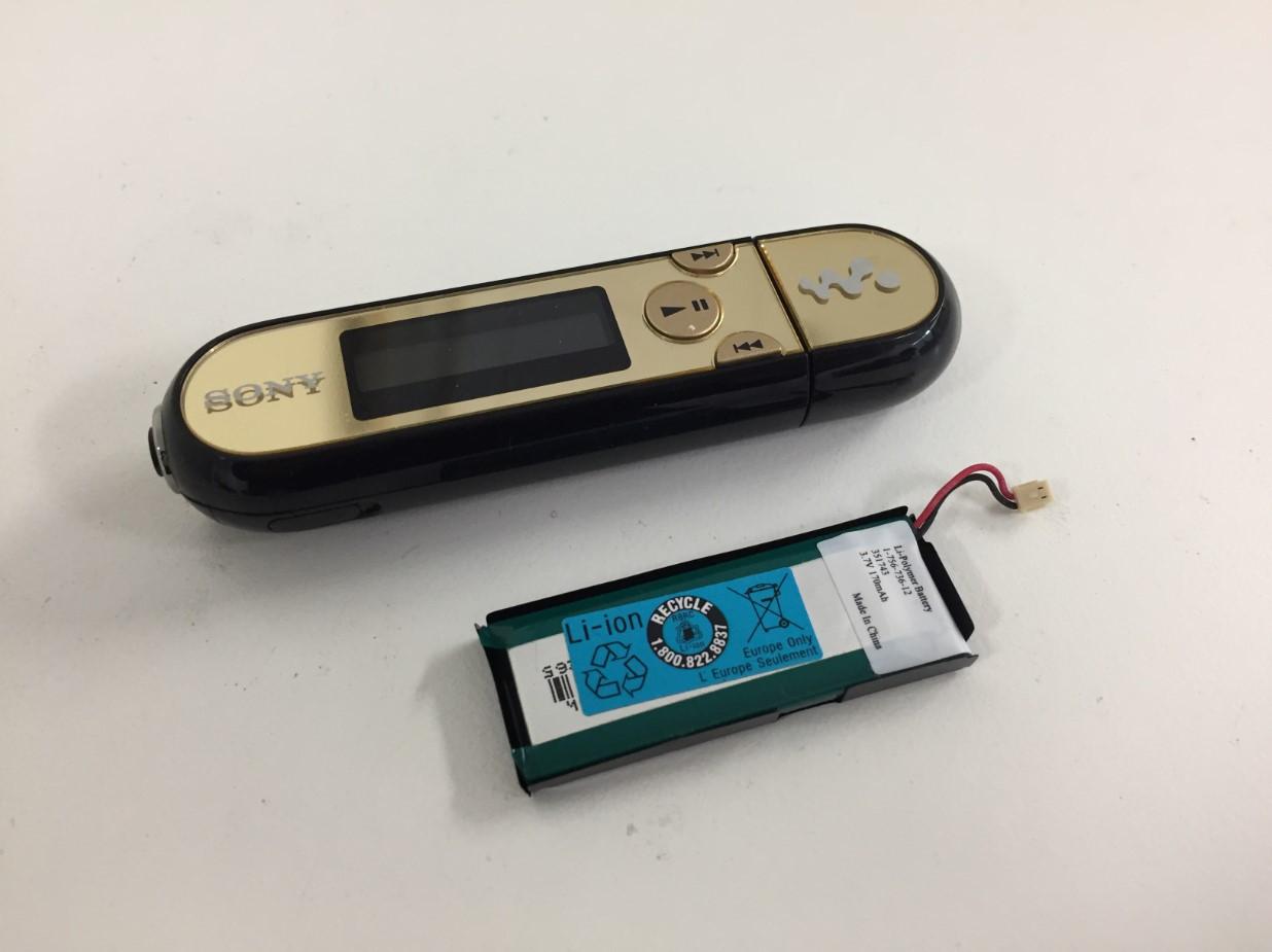 バッテリー新品交換修理後のWALKMAN(NW-E042)