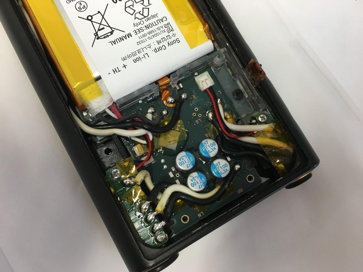 WALKMAN NW-ZX300の本体内の配線は複雑