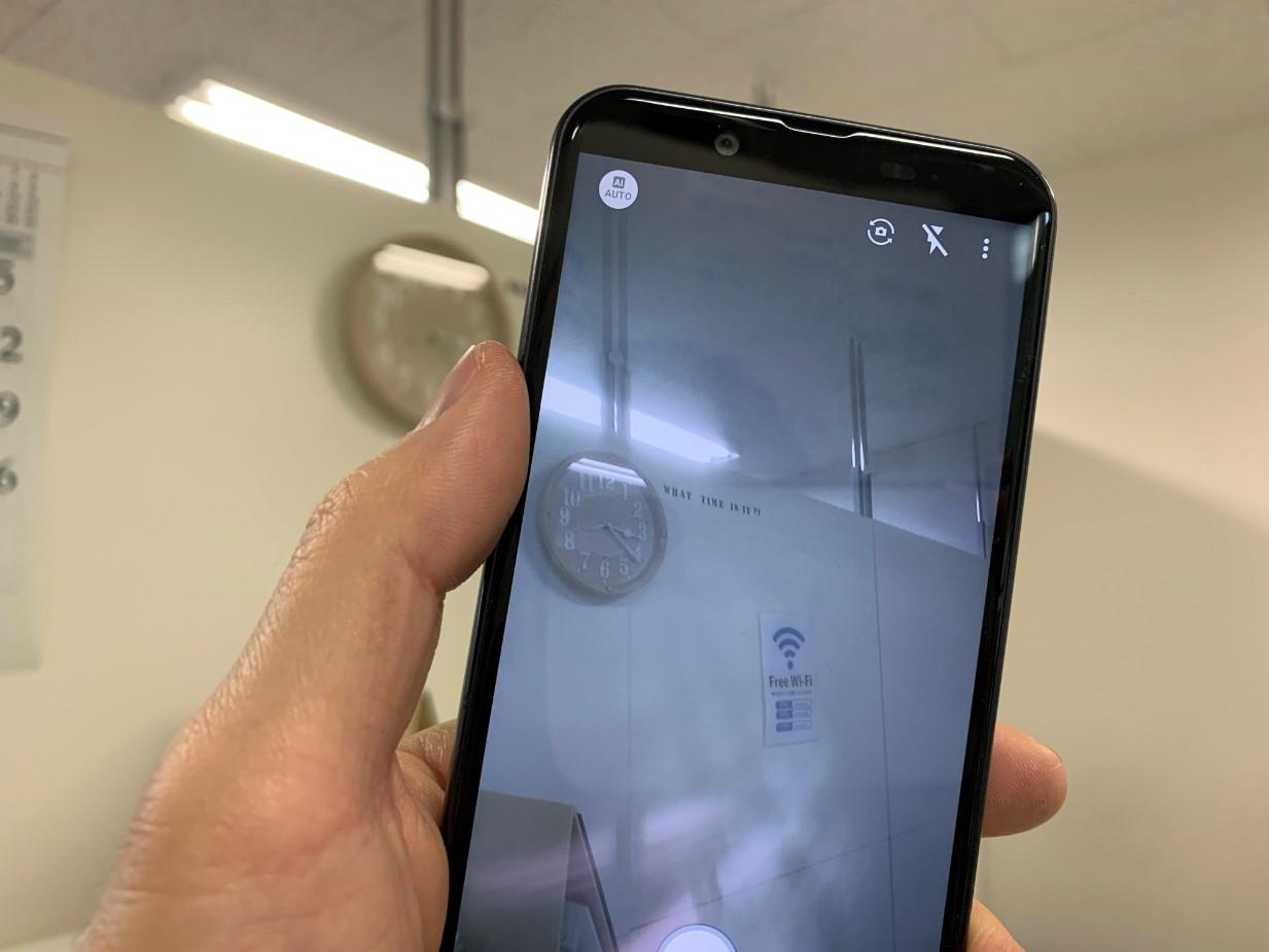 カメラレンズ修理間の写真が曇っていたAQUOS PHONE(SH-M08)