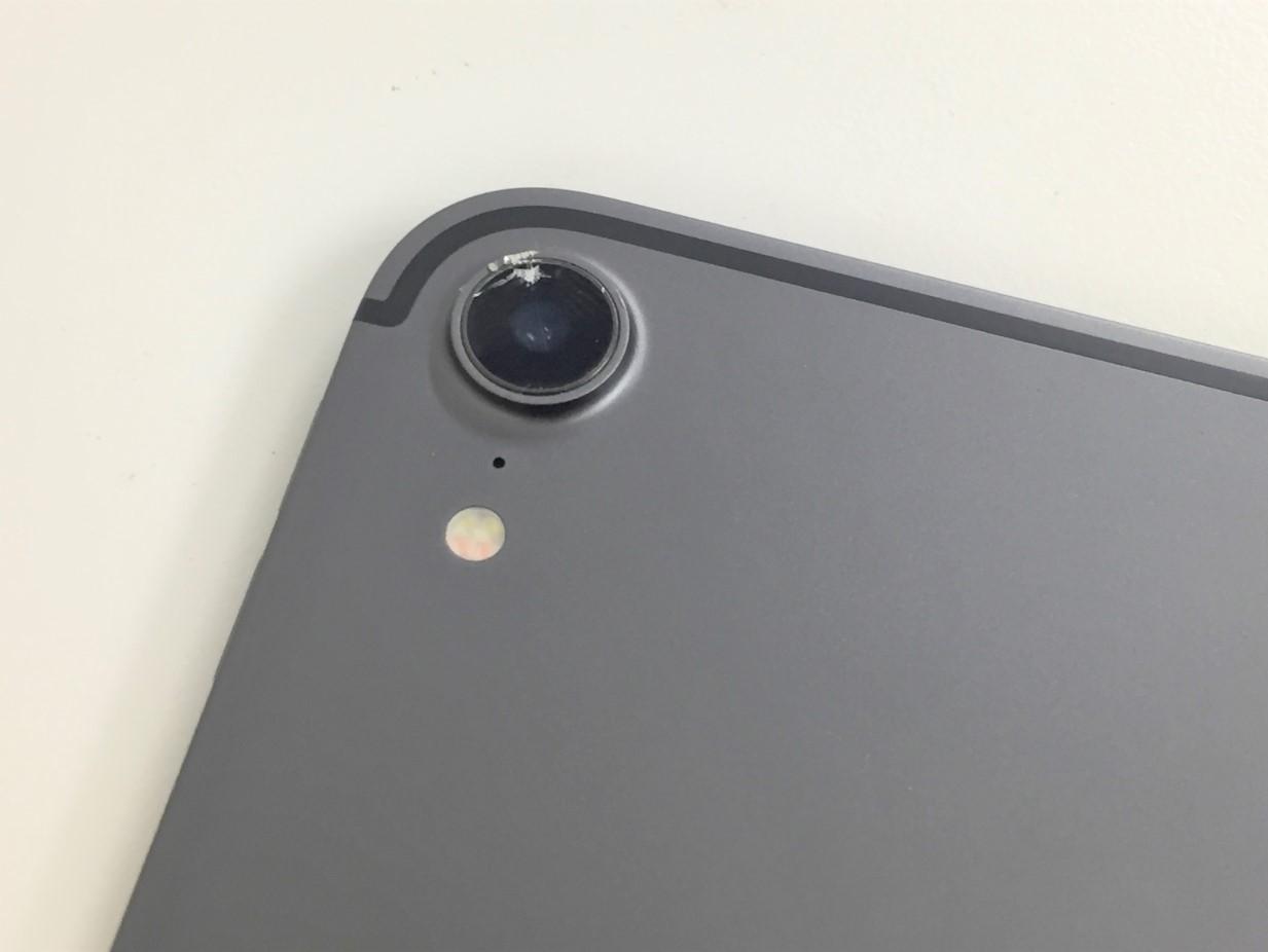 カメラレンズが割れたiPad Pro11(第1世代)