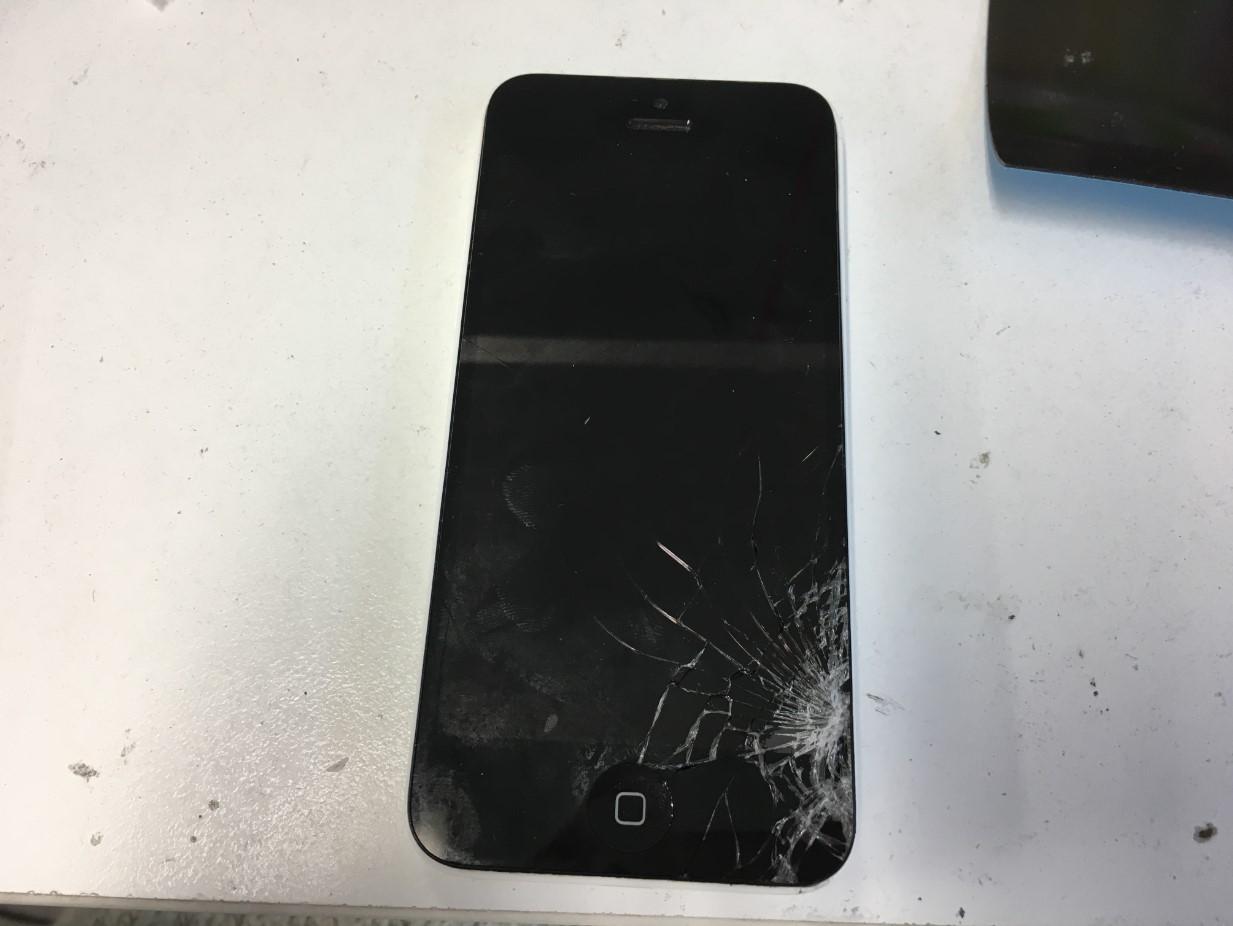 画面が割れたiPhone5c