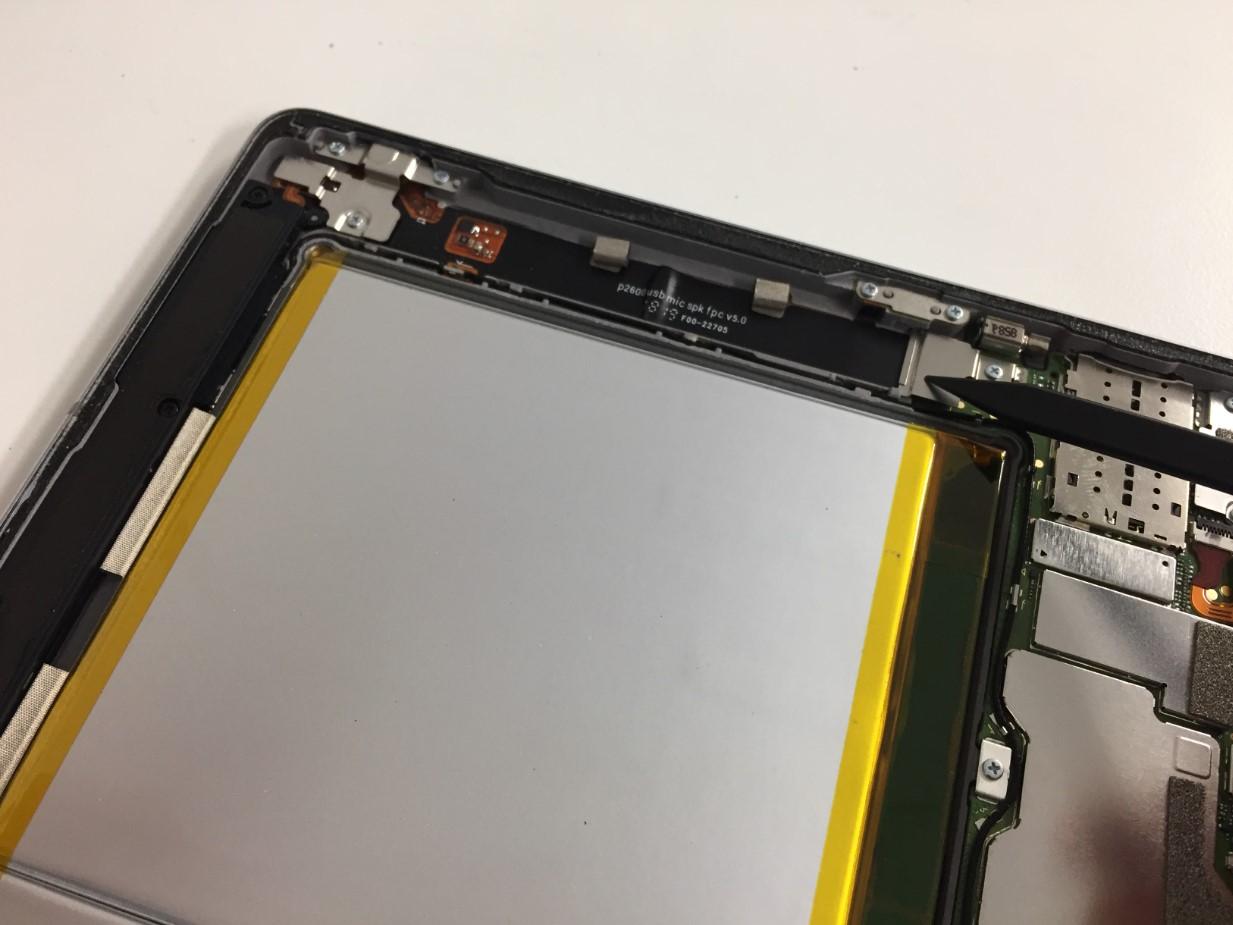 画面を剥がして分解したMediaPad M3 lite 10