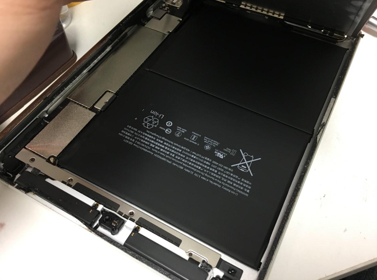 液晶を剥がしたiPad第5世代