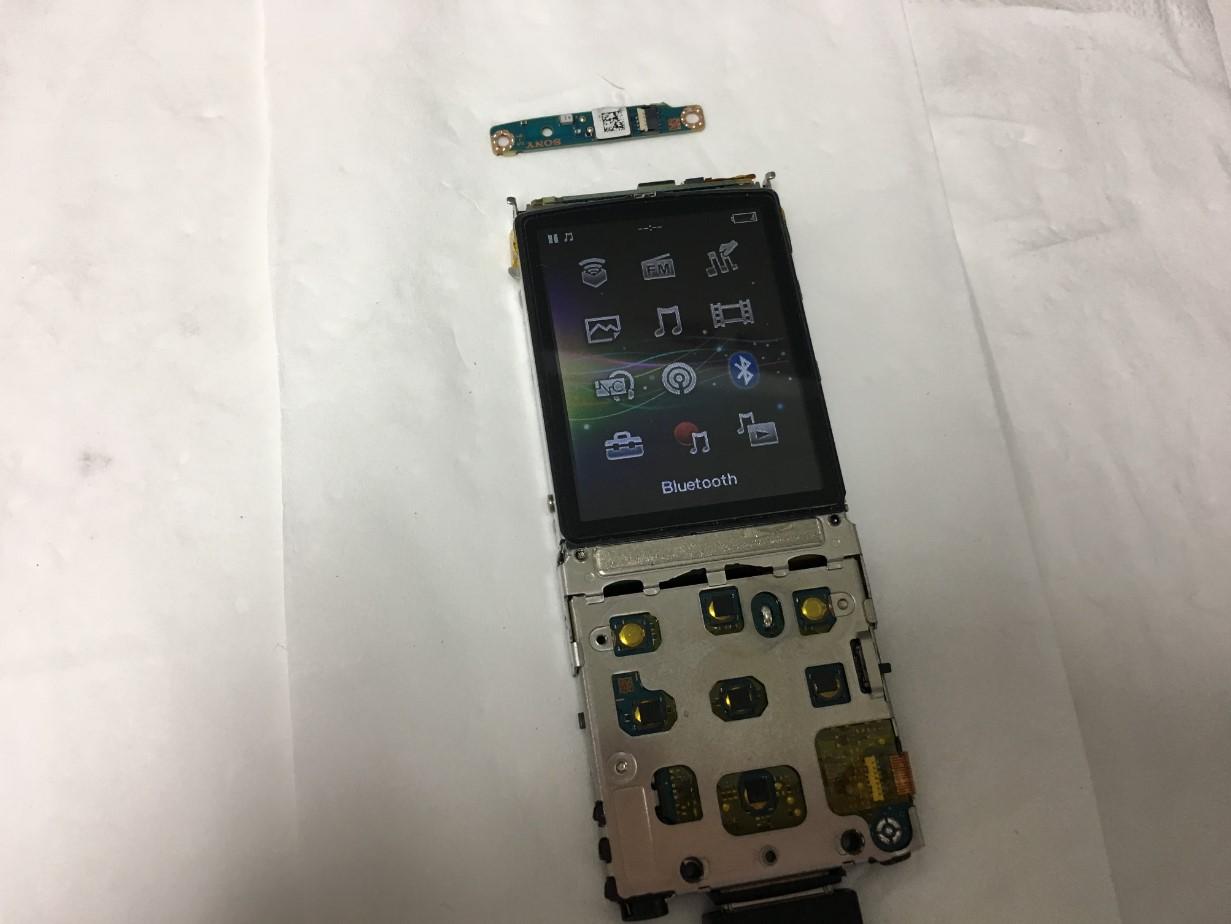 Bluetooth基板を交換することで検索中の画面から戻れたウォークマン NW-S766