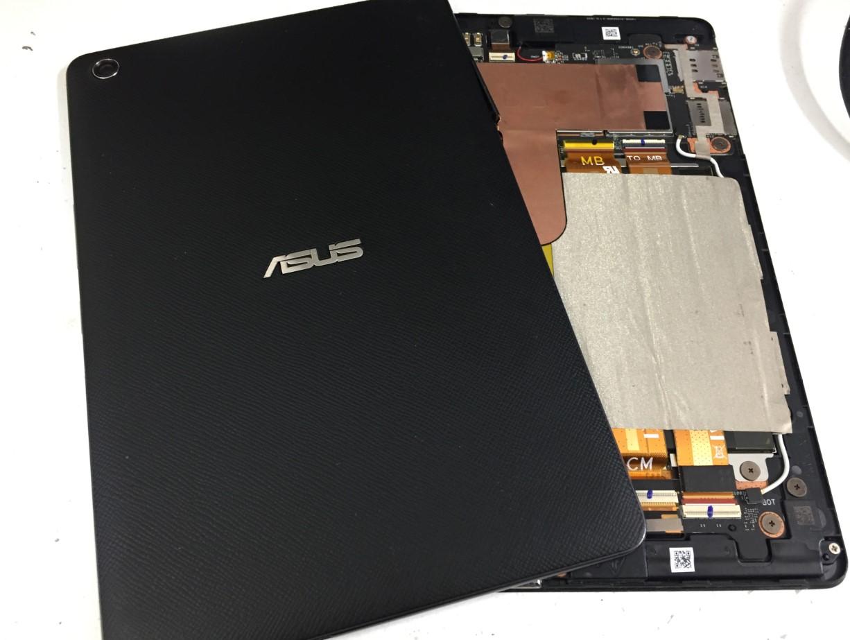 背面パネルを剥がしたZenPad3 8.0