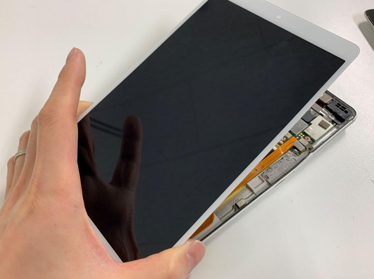 液晶画面を剥がしたd-01J(dtab)